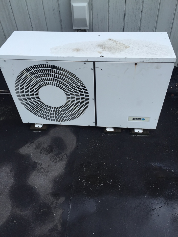 Hopatcong, NJ - Air conditioning service. Unit not blowing cold air. Found ductless split off on high pressure. Reset air conditioning system. AC service