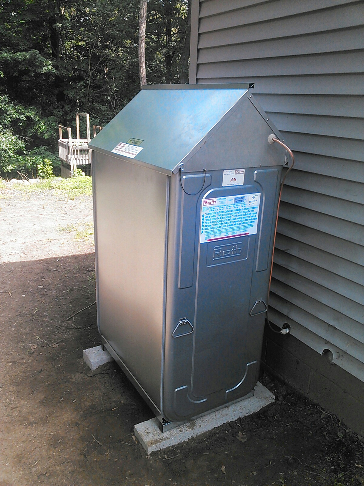 Hopatcong, NJ - Install new Roth oil tank.