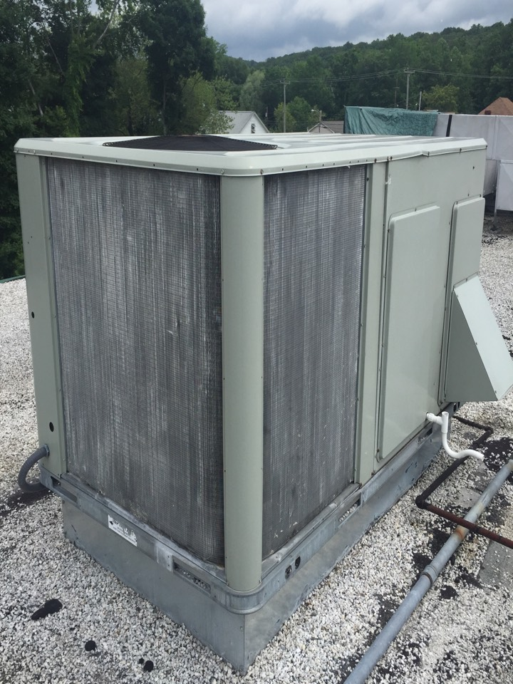 Stanhope, NJ - Commercial air conditioning service. Units not blowing air. Found York and Trane rooftop units broken. Repair both units with circuit board and contactor.