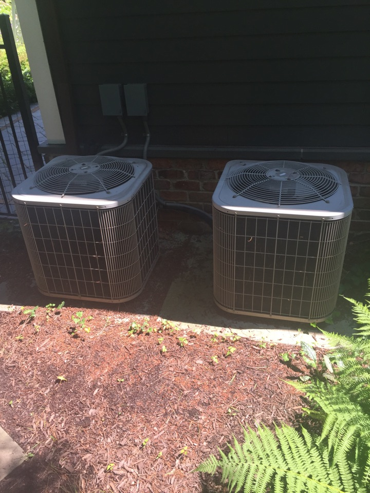 Chester, NJ - Air conditioning service call. Unit blow warm air. Found bad capacitor. Repair and replace bad capacitor.