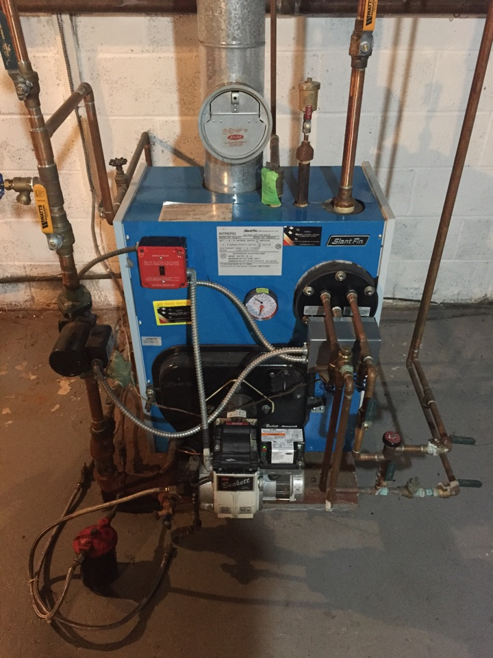 Newton, NJ - Oil fired boiler clean and service. Preventive maintenance on a slantfin boiler.