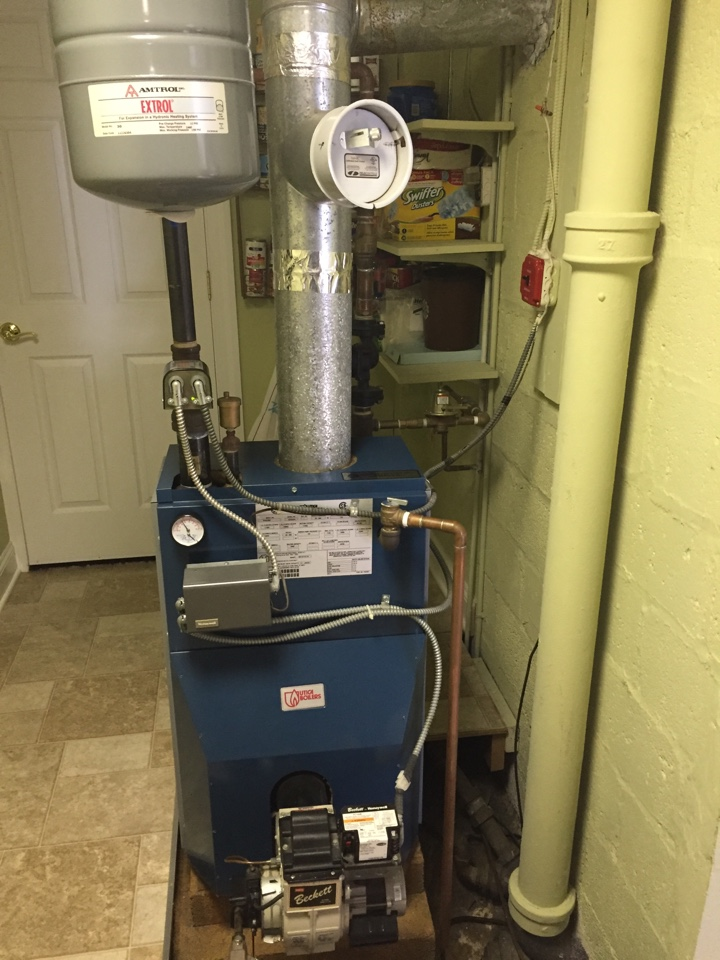 Randolph, NJ - Oil service call.  Preventive maintance on an oil fire Utica hot water boiler.  Clean and service boiler.