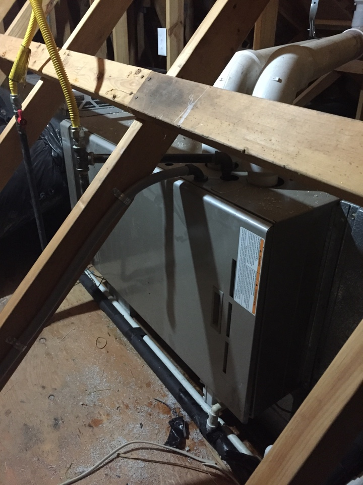 Washington Township, NJ - Heating service call. No heat. Found water frozen in attic Carrier warm air furnace.