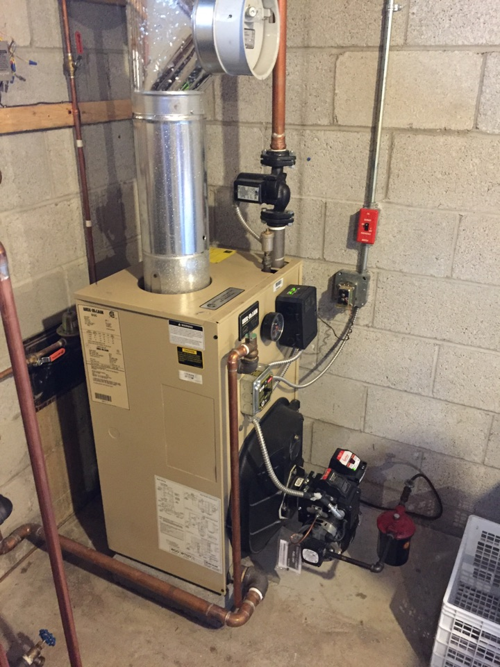 Wharton, NJ - Oil fired Weil McLain boiler preventive maintenance with clean and service.