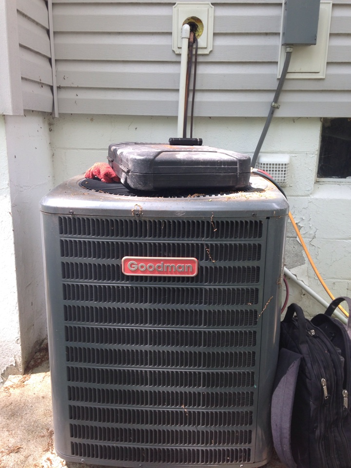 Hopatcong, NJ - Air conditioning repair on a goodman ac system.   Found leak and ran a new line set.