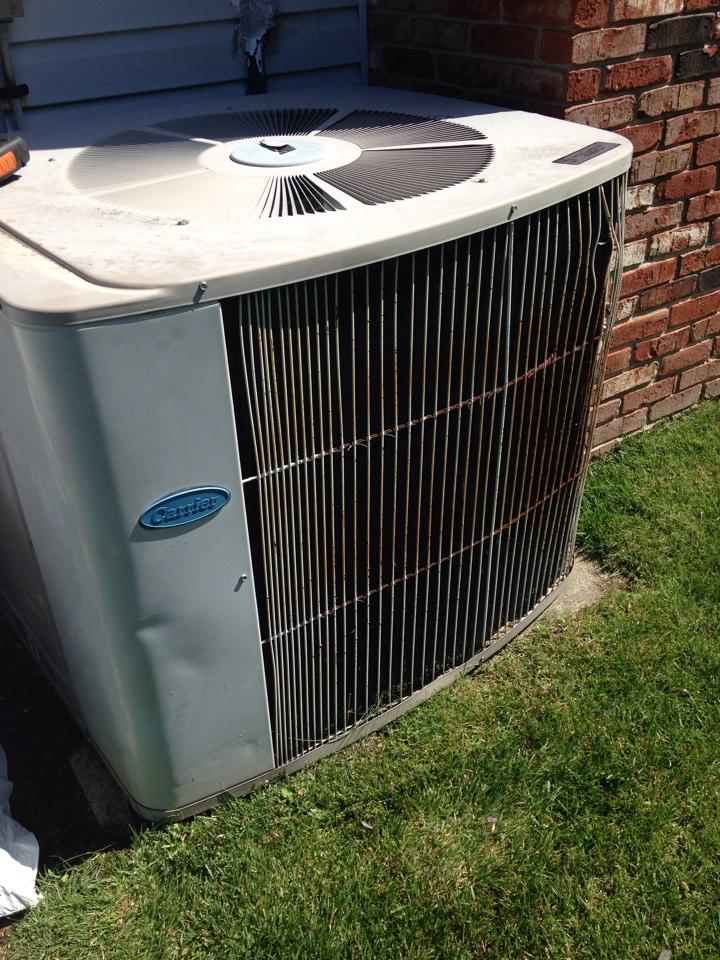 Wayne, NJ - Air conditioning repair on a Carrier ac unit.