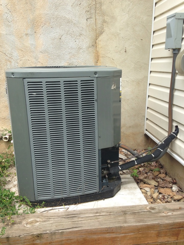 Dover, NJ - Air conditioning service on a Trane ac system.