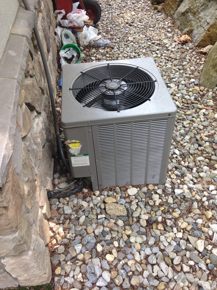 Mountain Lakes, NJ - Air conditioning repair on King ac unit.