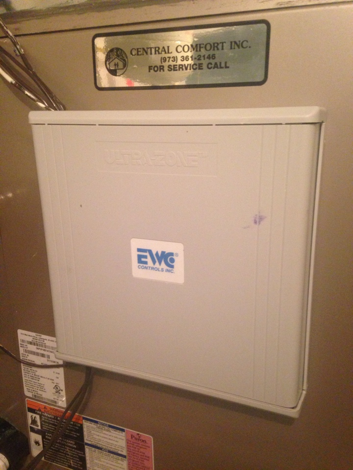 Hackettstown, NJ - Air conditioning repair on a Carrier ac unit. Fix faulty EWC zoning motor.