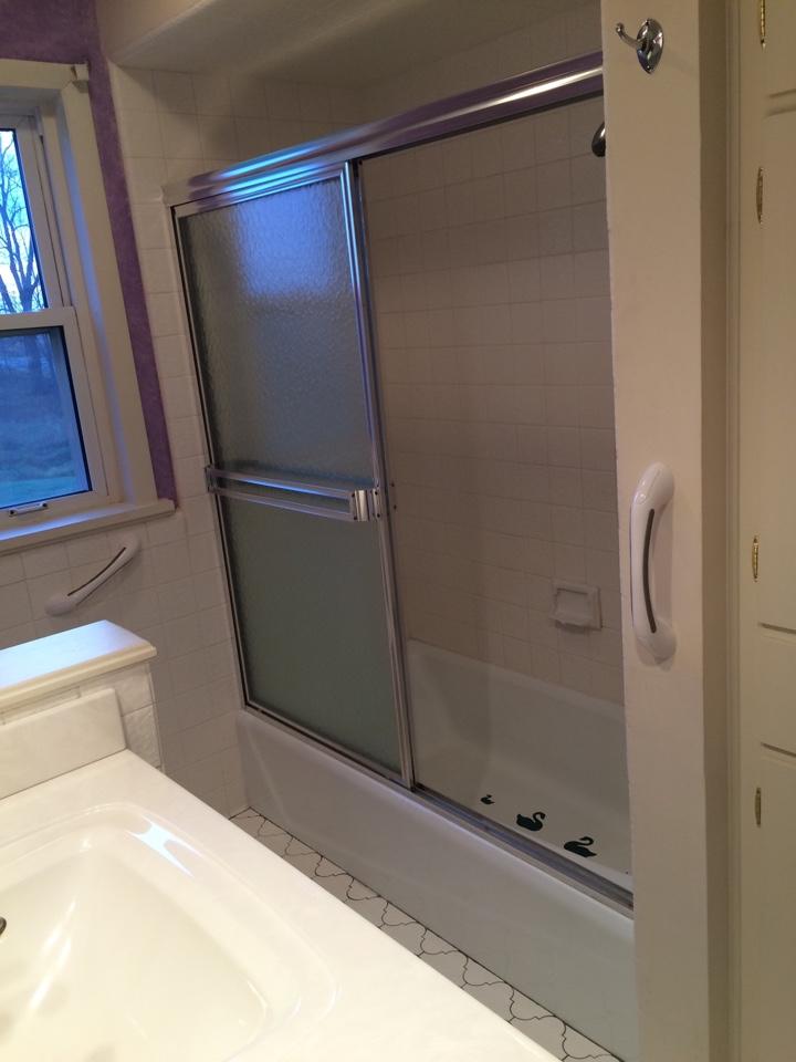 Pewamo, MI - Tub to shower conversion