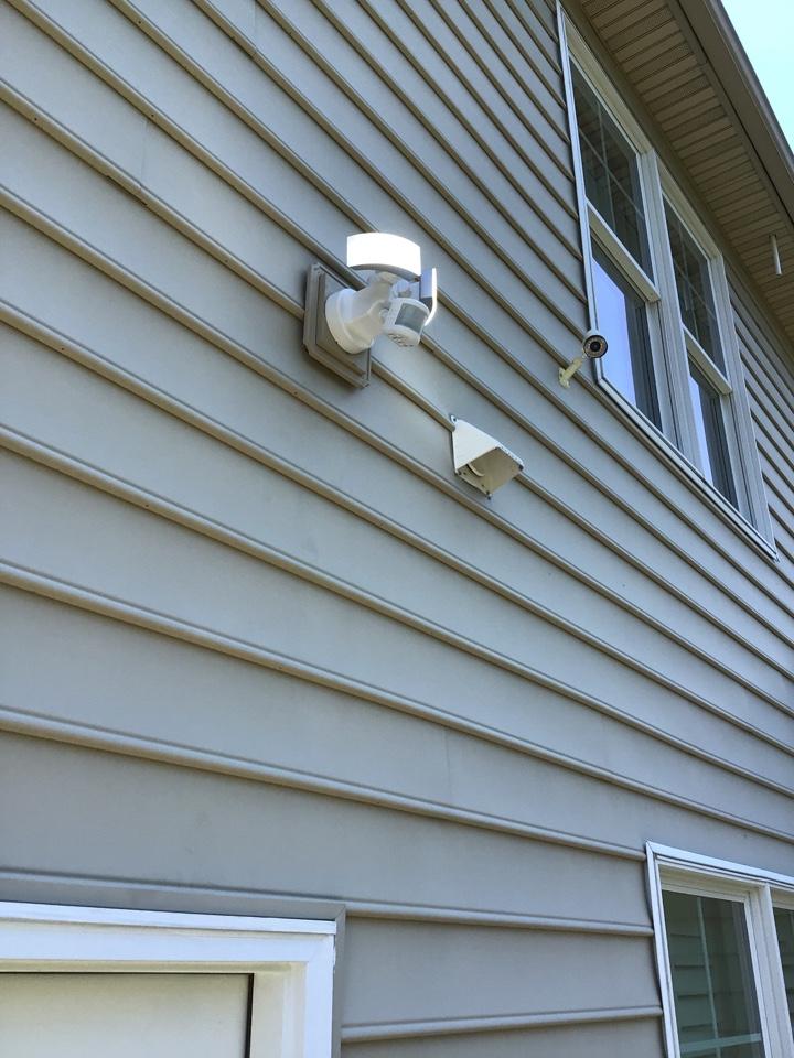 Cary, NC - Install floodlight