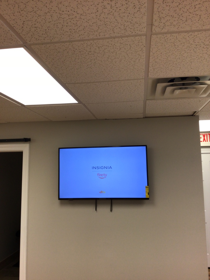 Durham, NC - Troubleshoot power and finish hanging TV.