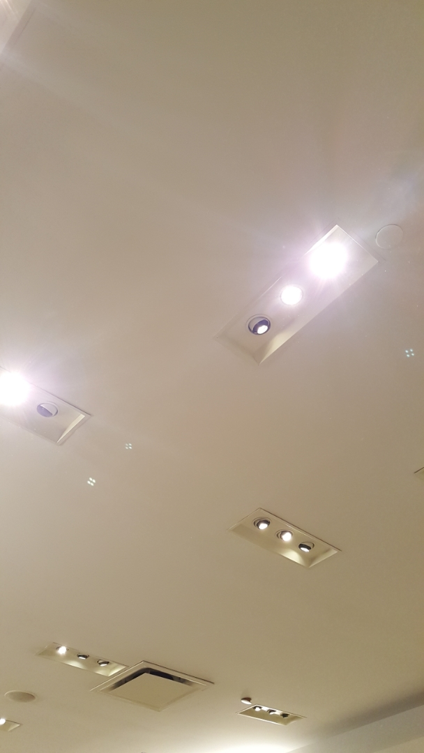 Replace light bulbs at southpoint mall