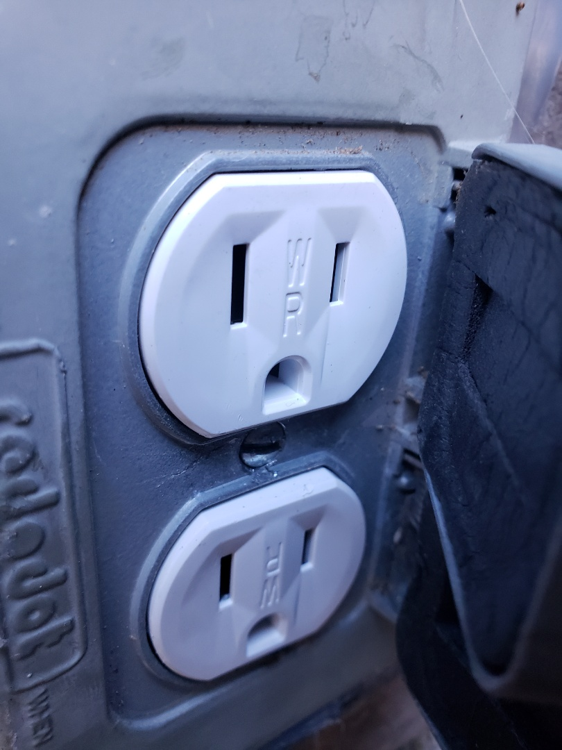 Repair outdoor weather proof outlet, replaced with a new w/p outlet