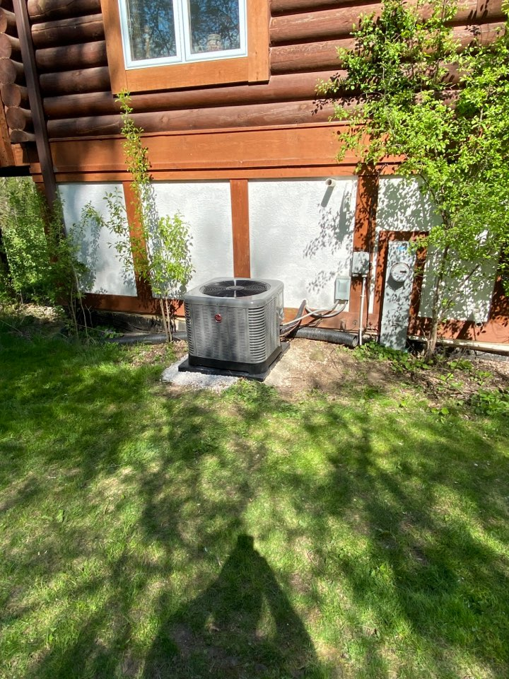 Cedarburg, WI - Furnace and air conditioner replacement.