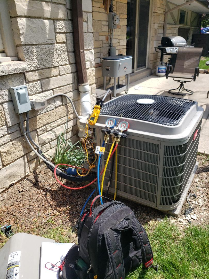 Brookfield, WI - Performed tune up on bryant air conditioner