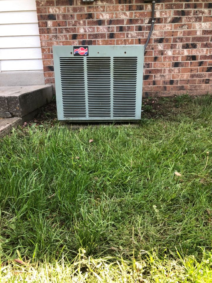 Cedarburg, WI - Spring Maintenance. Tune up on Rheem Air Conditioner and Furnace
