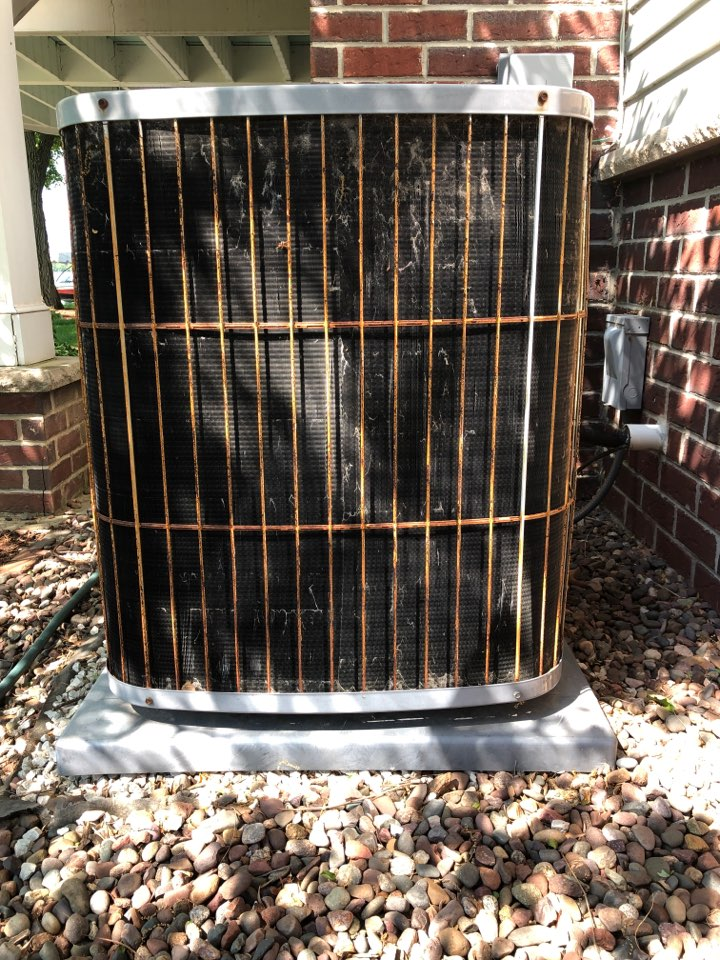 Hartland, WI - Spring Maintenance. Tune Up on a Carrier Air Conditioner
