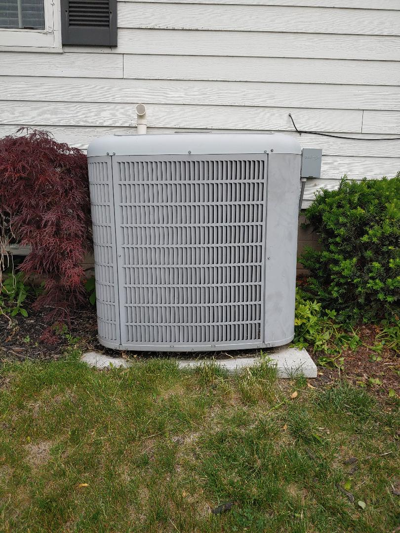 Mequon, WI - Repair on carrier air conditioner