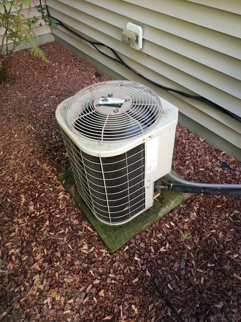 Grafton, WI - Tune up on Bryant air conditioner