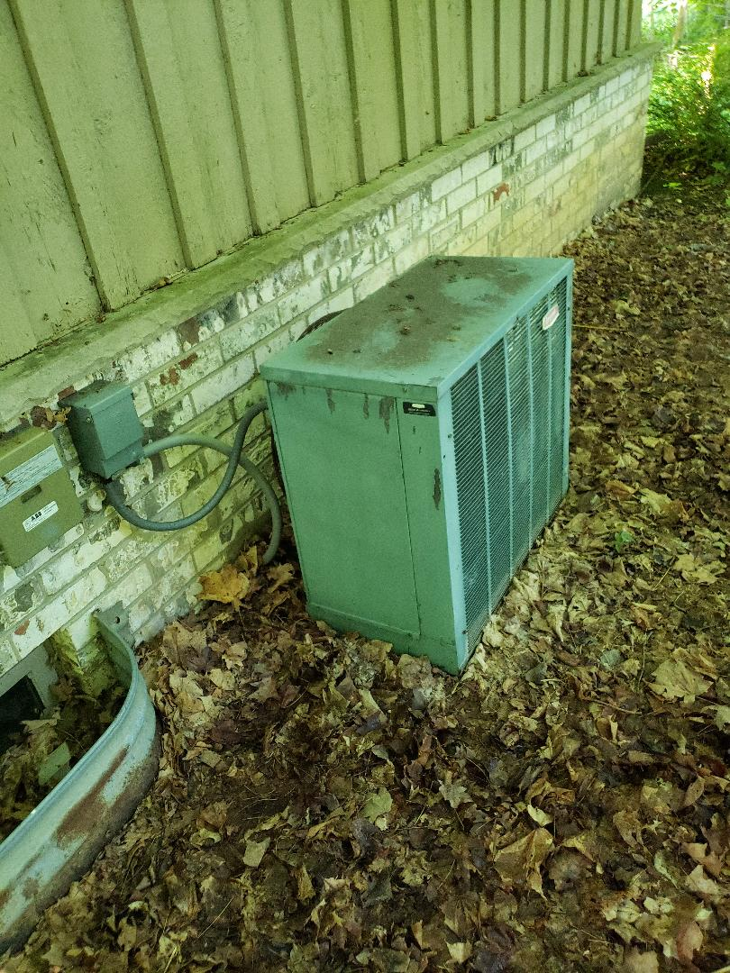 Sussex, WI - Service on bryant AC