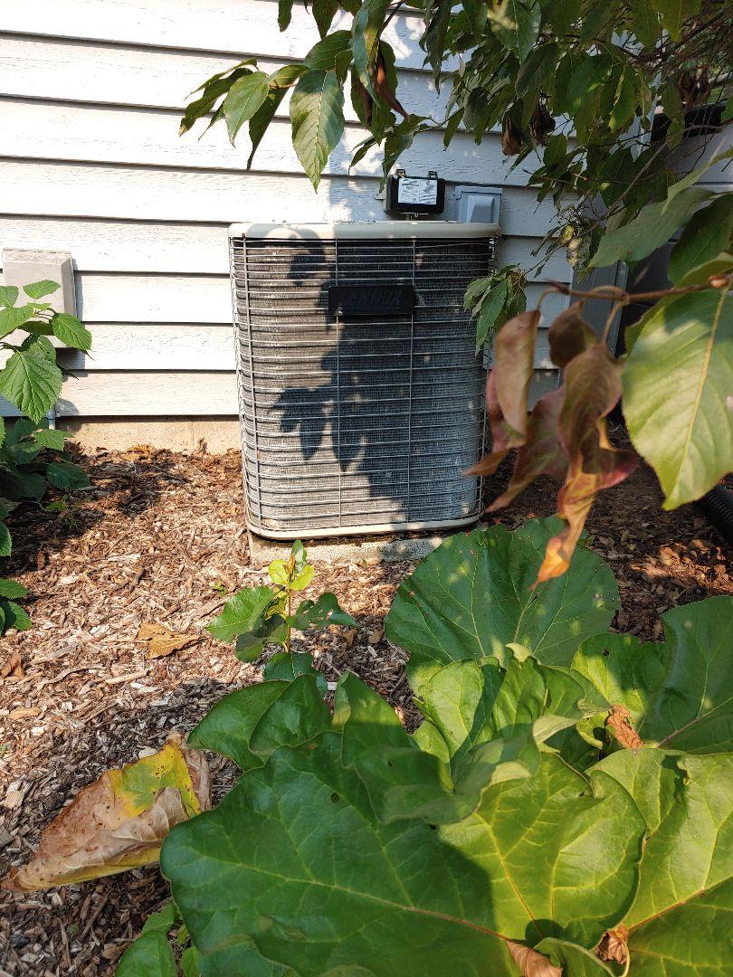 Sussex, WI - Diagnose lennox air conditioner