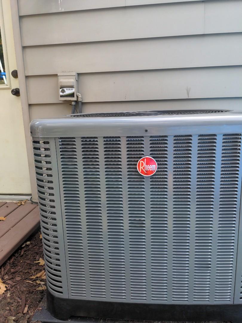 Delafield, WI - Install new Rheem air conditioner