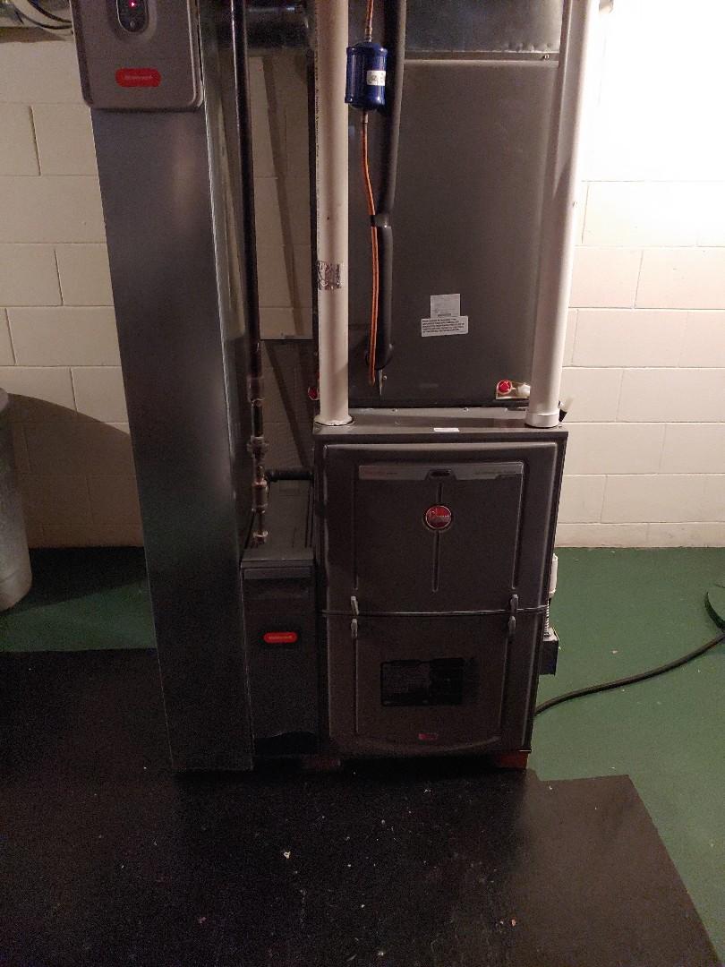Grafton, WI - Tune-up on rheem furnace