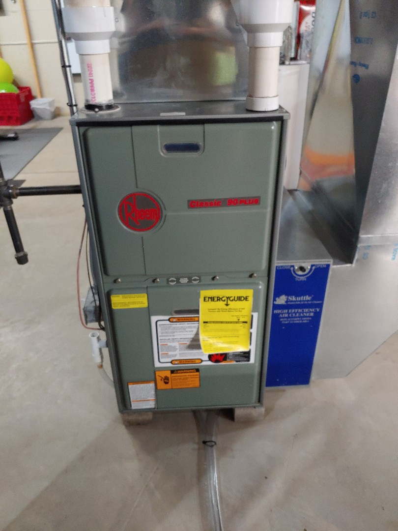 Sussex, WI - Tune up on rheem furnace
