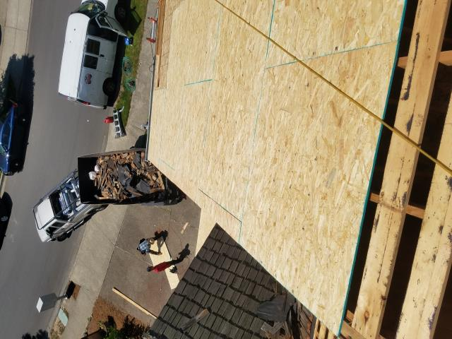 Tualatin, OR - Replacing a wood shake roof in Tualatin with GAF Timberline HD architectural style shingles in Charcoal.