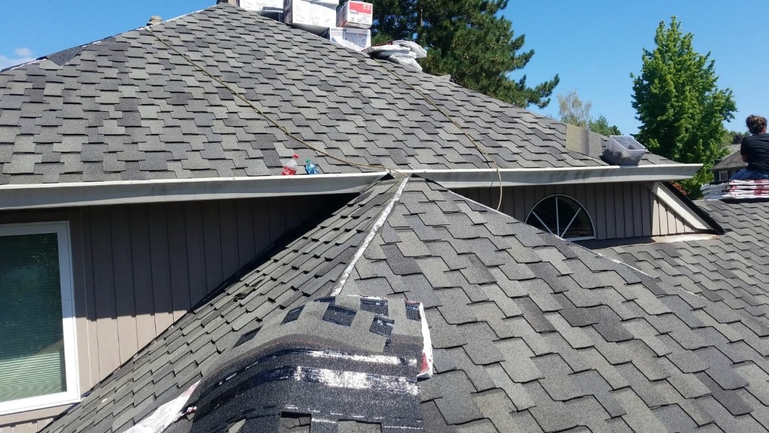 Beaverton, OR - Finishing up a beautiful GAF Grand Canyon presidential style roof in Storm Cloud Gray in Tigard