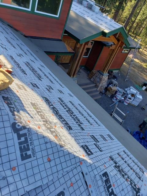 Bend, OR - Continuing the installation of  a GAF Timberline Ultra HD architectural shingle roof near Sunriver.