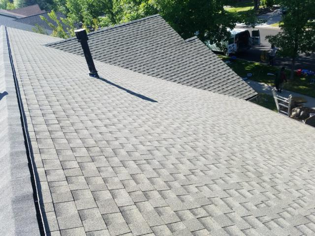 Bend, OR - Replaced an asphalt shingle roof with GAF Timberline HD architectural shingles in Weathered Wood.