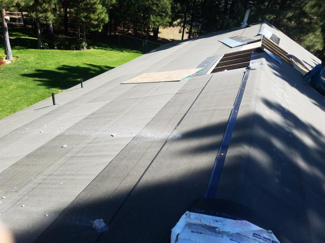 La Pine, OR - Replacing a composition shingle roof in Bend with GAF Timberline HD architectural style shingles in Weatherwood.