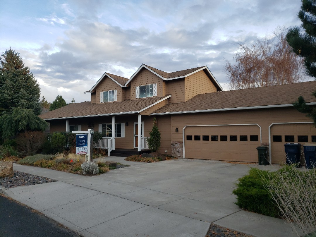 Bend, OR - Bidding to replace a worn out composition roof with GAF Timberline.