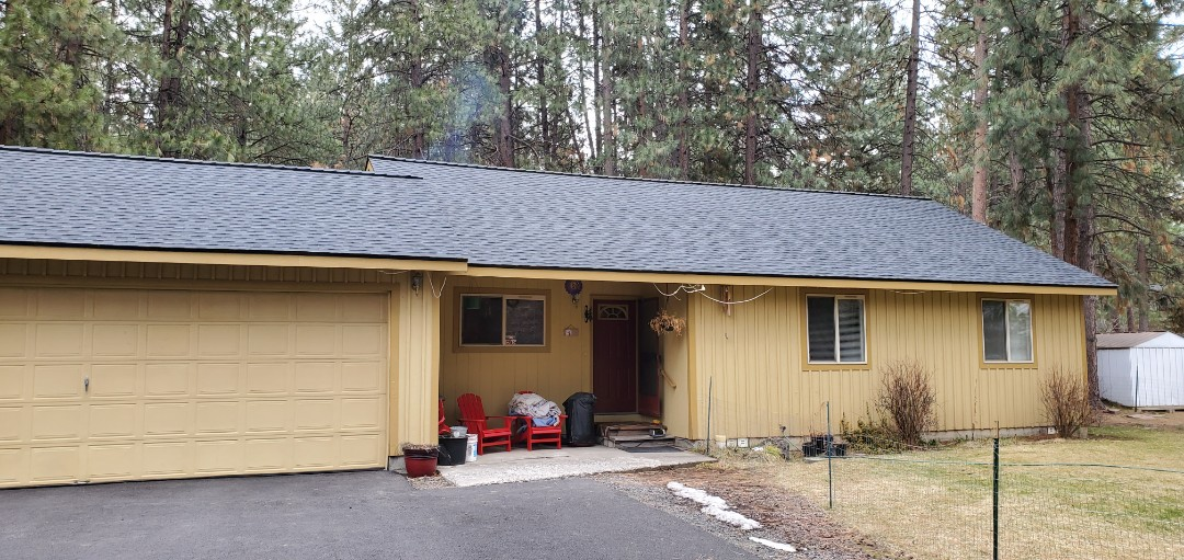 Bend, OR - Installed a beautiful GAF Timberline HDZ asphalt shingle roof in Charcoal in Deschutes River Woods.
