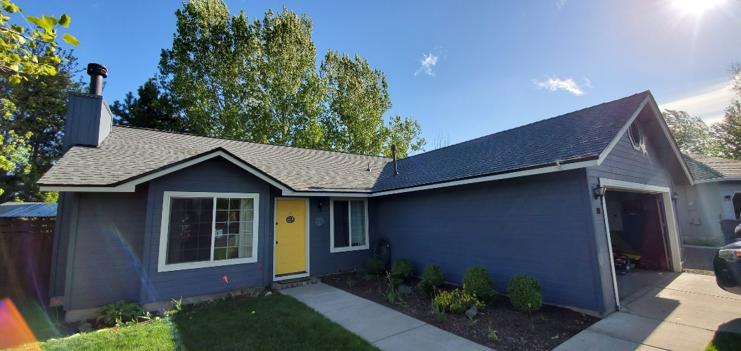 Redmond, OR - Just replaced a composite shingle roof in Redmond with beautiful GAF Timberline HDZ shingles in Pewter Gray color. This new roof includes a 10-year labor warranty from Deschutes Roofing and an extended 50-year material warranty against defects from GAF.