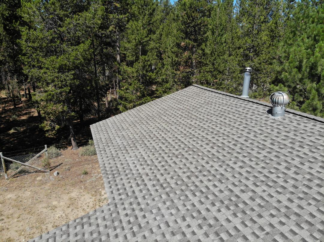 La Pine, OR - Another beautiful installation by Deschutes Roofing Company using GAF Timberline HDZ Mission Brown.