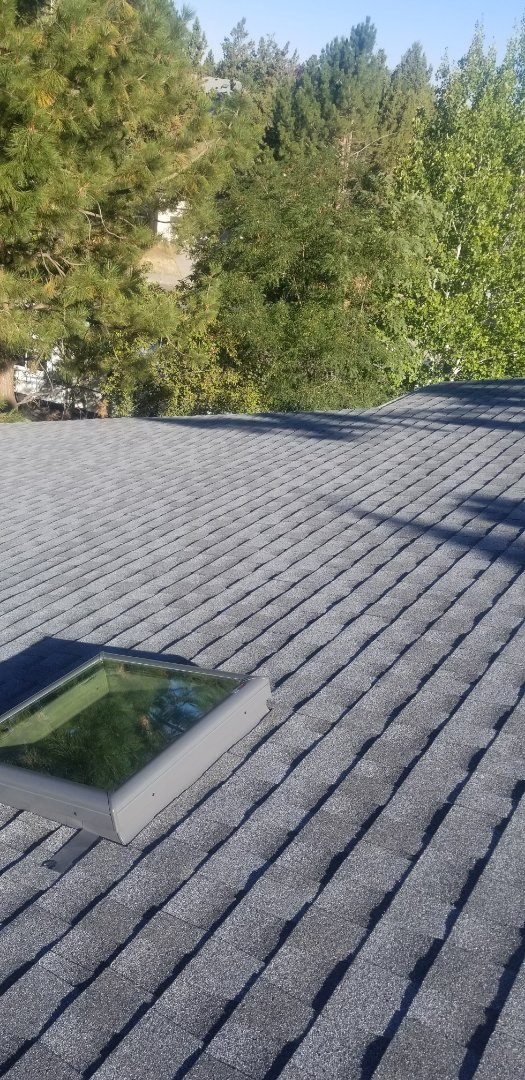 Bend, OR - Another beautiful installation by Deschutes Roofing Company using GAF Timberline HDZ Slate.