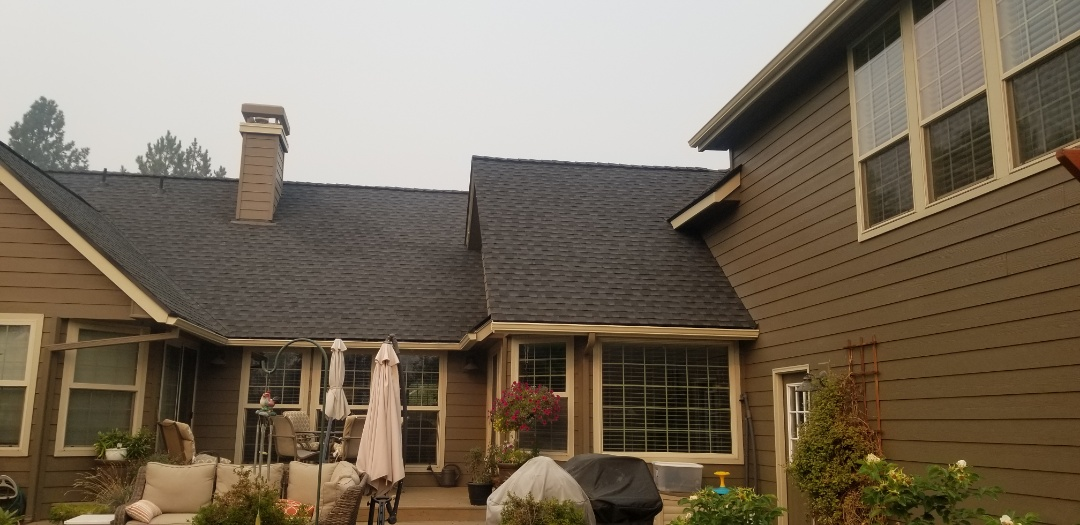 Bend, OR - Another beautiful installation by Deschutes roofing company using GAF Timberline HDZ Slate