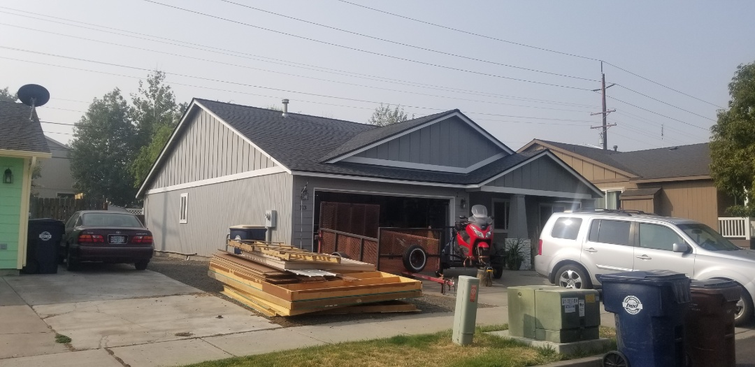 Redmond, OR - Another beautiful installation by Deschutes Roofing Company using GAF Timberline HDZ Slate