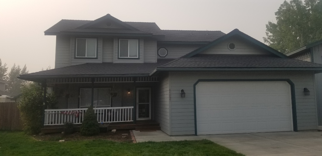 Bend, OR - Complete roof replacement by Deschutes Roofing Company using GAF Timberline HDZ Charcoal