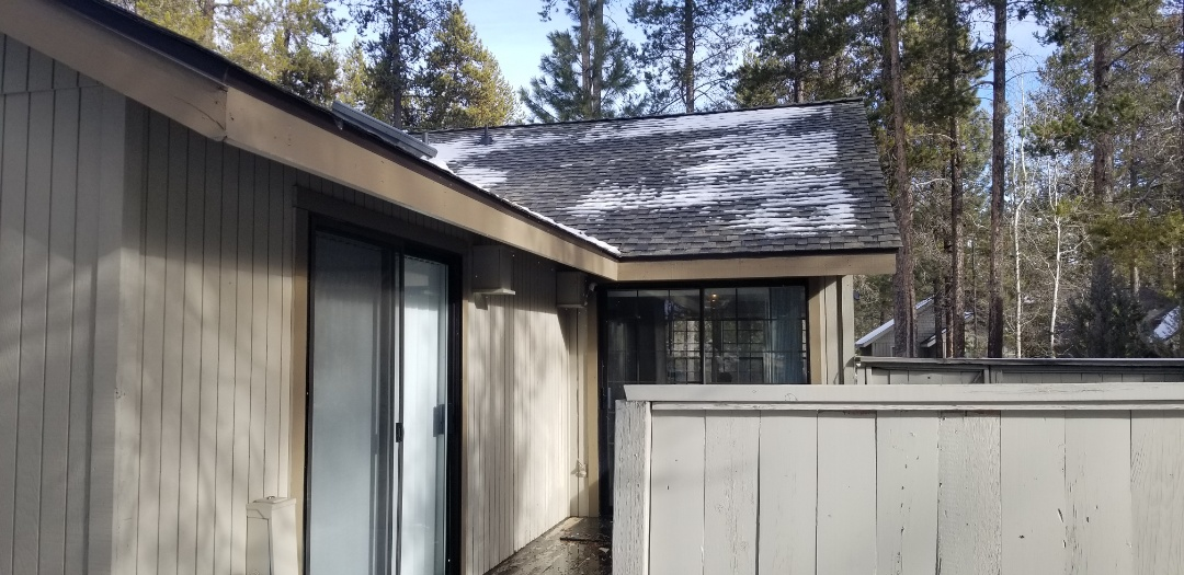 Sunriver, OR - GAF Timberline Ultra HD Weatherwood installed by Deschutes Roofing Company.