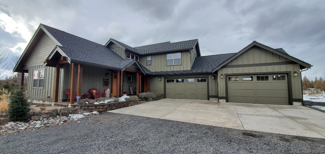 Bend, OR - Just finished replacing an asphalt shingle roof with GAF Timberline Ultra HD architectural shingles in Charcoal color. This new roof includes an extended 50-year material warranty from GAF and a 10-year labor warranty from Deschutes Roofing & Insulation.