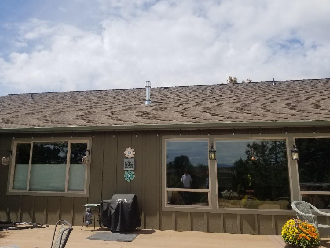 Redmond, OR - Another beautiful installation by Deschutes Roofing Company using GAF Timberline HDZ Barkwood.