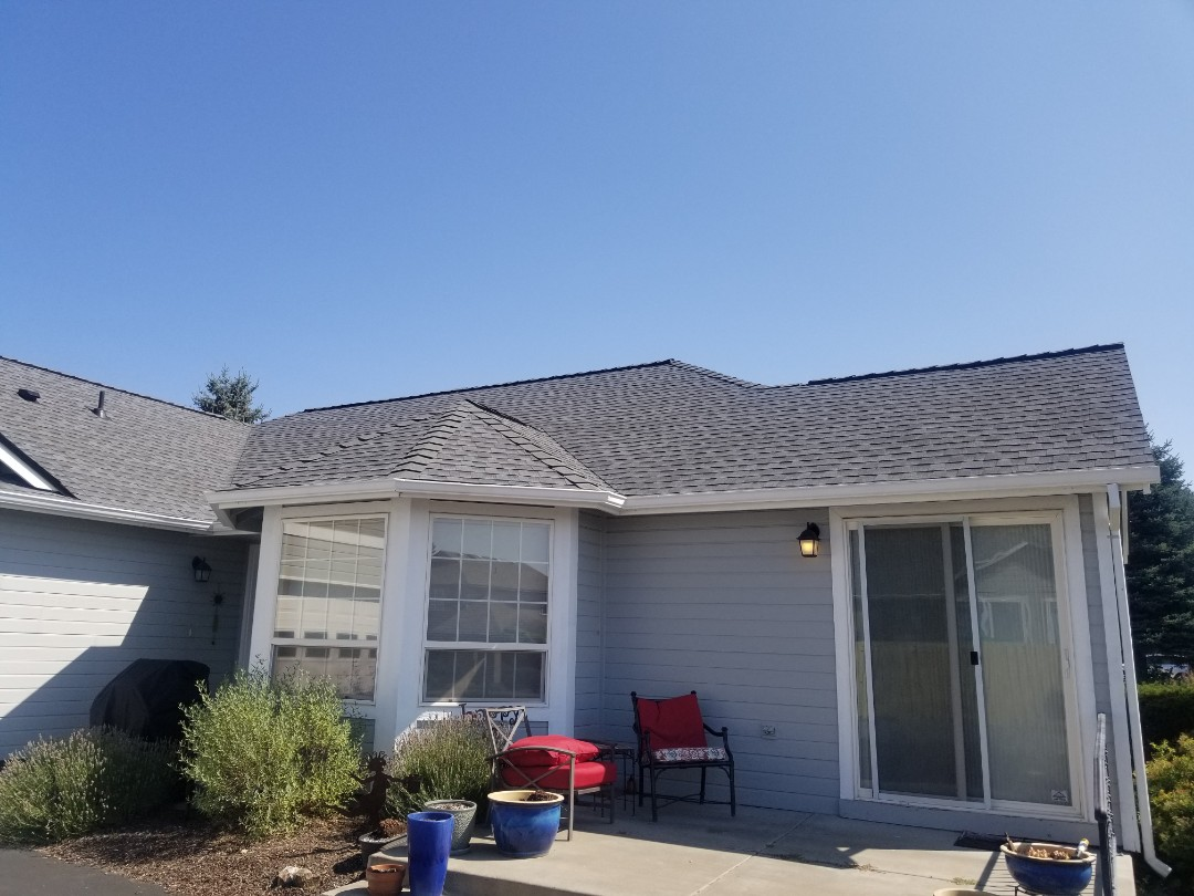 Redmond, OR - Another beautiful installation by Deschutes roofing Company using GAF Timberline HDZ Pewter Gray