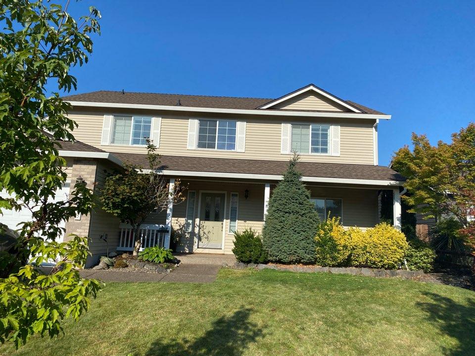 Gresham, OR - We installed GAF HDZ Timberline Barkwood shingles on this home. We also use black drip edge flashing.