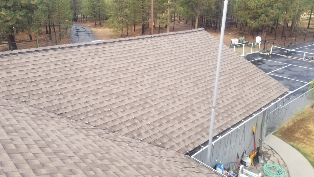 La Pine, OR - Everything turned out perfect with this architectural shingle roof replacement using GAF Timberline HDZ in Weathered Wood . This roof was dried in with synthetic felt and ice and water shield.