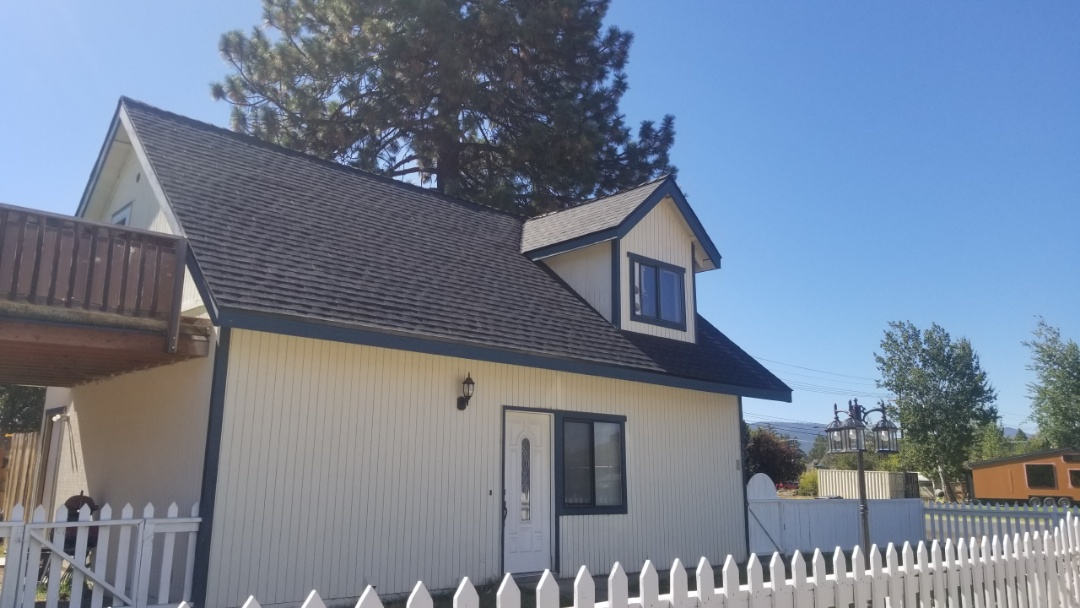Sisters, OR - This rental got re roofed and it looks amazing