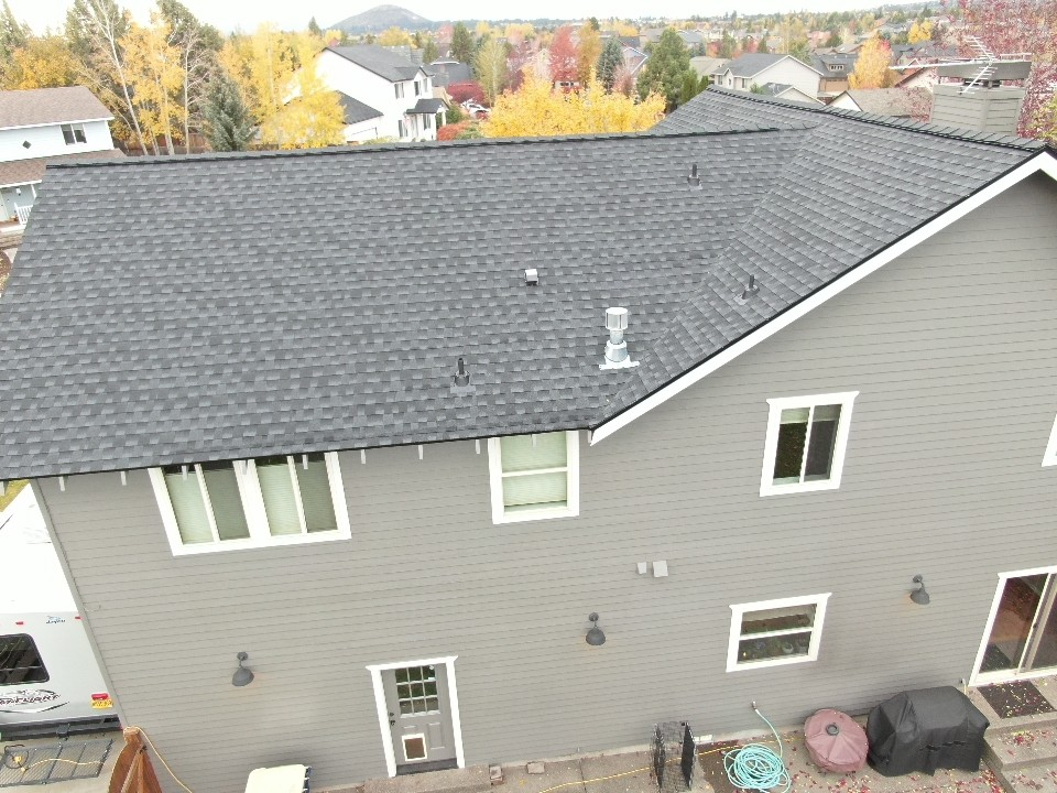 Bend, OR - GAF Timberline HDZ Charcoal installed on this home just before the weather hit.